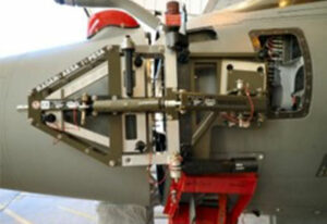 KEP-Metal-Solutions-outillage-démontage-radar-avion-chasse